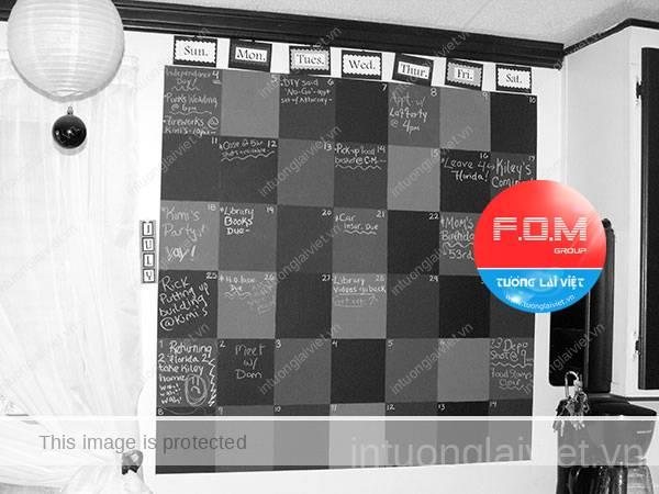 Dùng nguyên cả một bức tường để thiết kế lịch. Chắc phải xây đủ 12 bức tường cho 12 tháng trong năm.