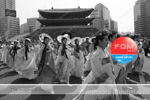 Người Triều Tiên đón Tết vào tháng 10 và tháng 11, gần đây mới chuyển dần sang mồng 1 tháng Giêng Âm lịch.
